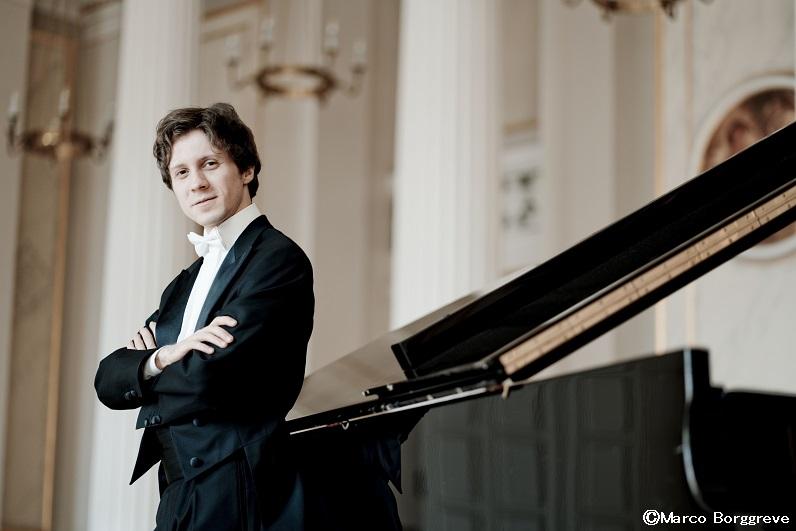 Rafal Blechaz Pianist Photo: Marco Borggreve