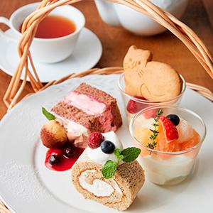 0302-29at_tearoom_cat01m